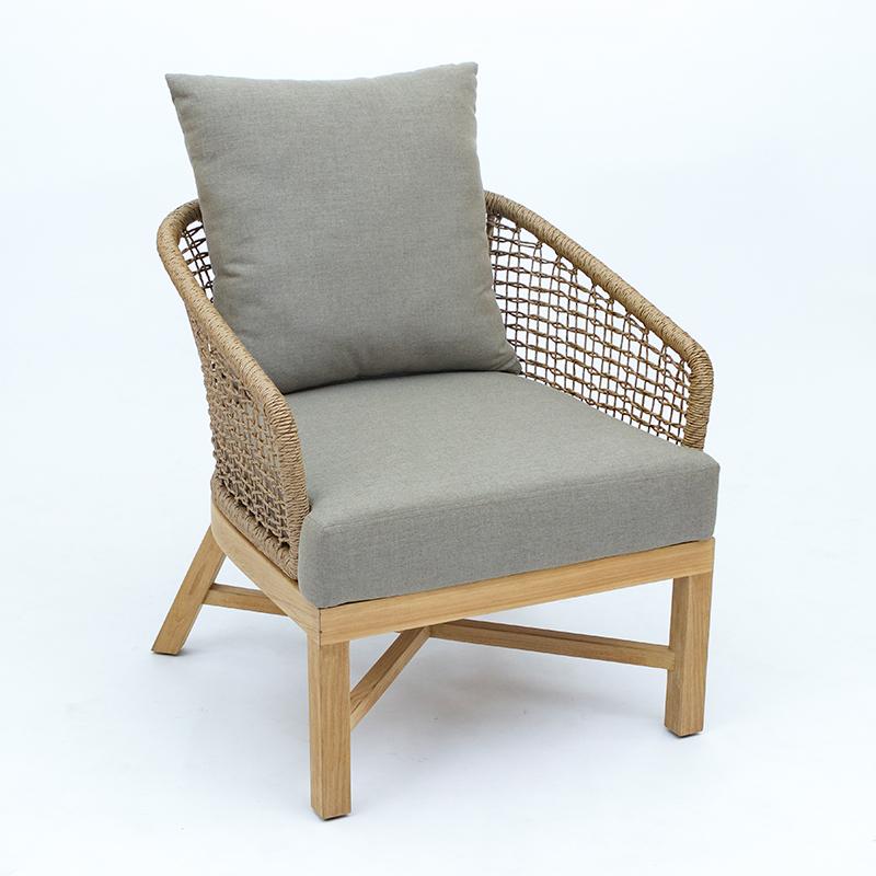 Liz Lounge Chair