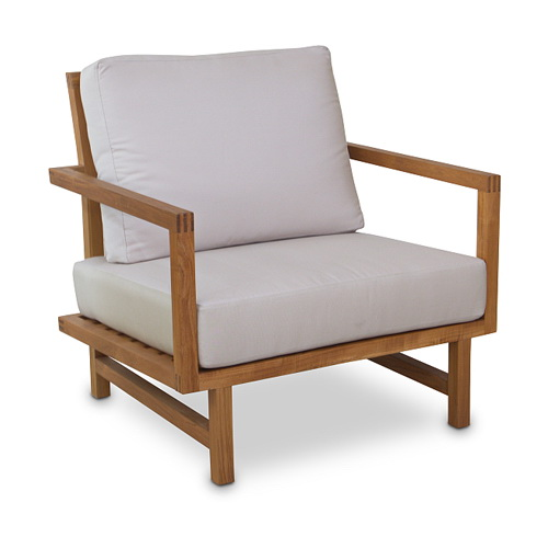 Cubular Outdoor Lounge Chair