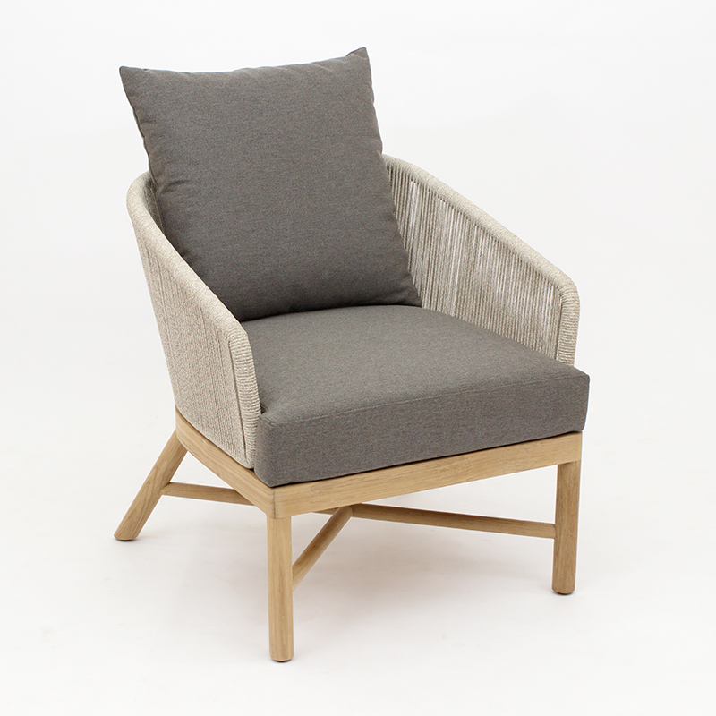 Mary Lounge Chair